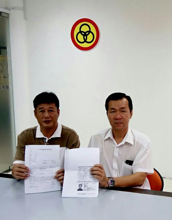 图说人联党公共投诉局主任叶耀星与该民外国女佣在没有完成2年的合同期内逃跑逃跑的雇主。