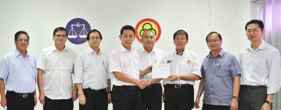 DONATIONS FROM SARIKEI COMMUNITY FOR FLOOD VICTIMS