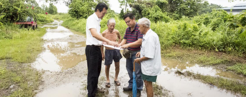 WILFRED YAP HELPING A WAY OUT FOR THREE FAMILIES IN PENRISSEN